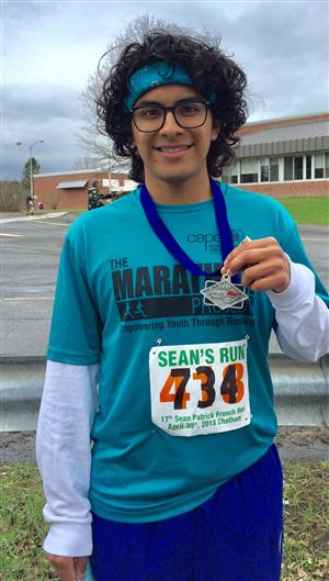 Poughkeepsie High School's Marathon Project traveled up to Chatham, NY to run in the Sean's Run 5K (3.1 miles).