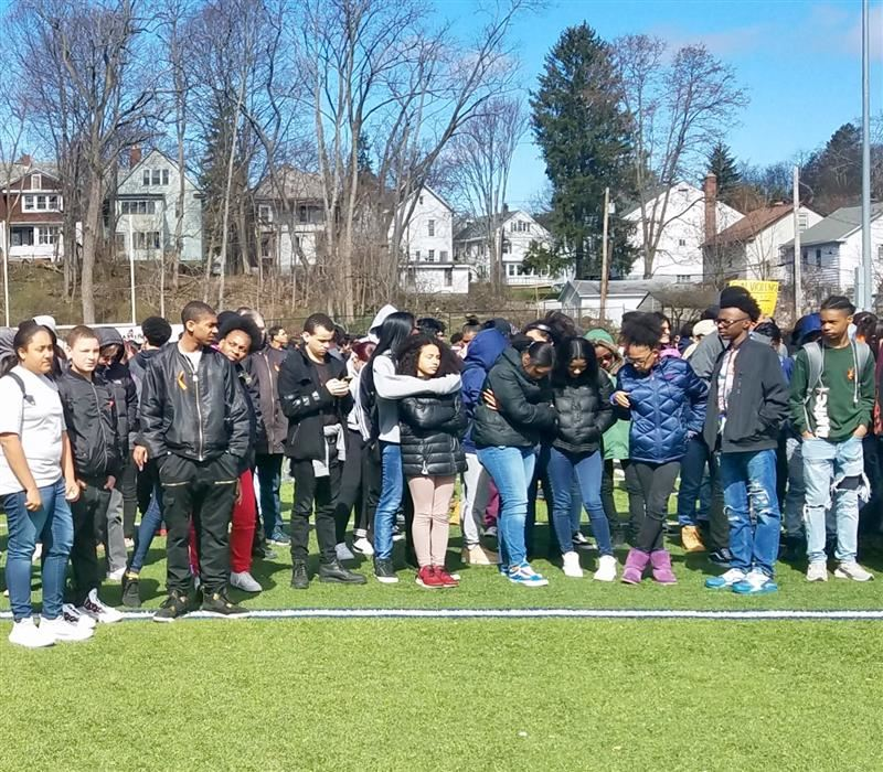 PHS Students Commemorate the Lives Lost in School Violence.